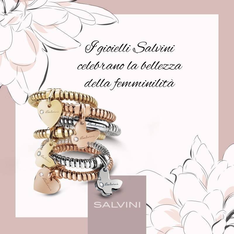 «Le donne sostengono la metà del cielo» ed è a loro che dedichiamo i gioielli più belli, per esaltarne bellezza e personalità.
