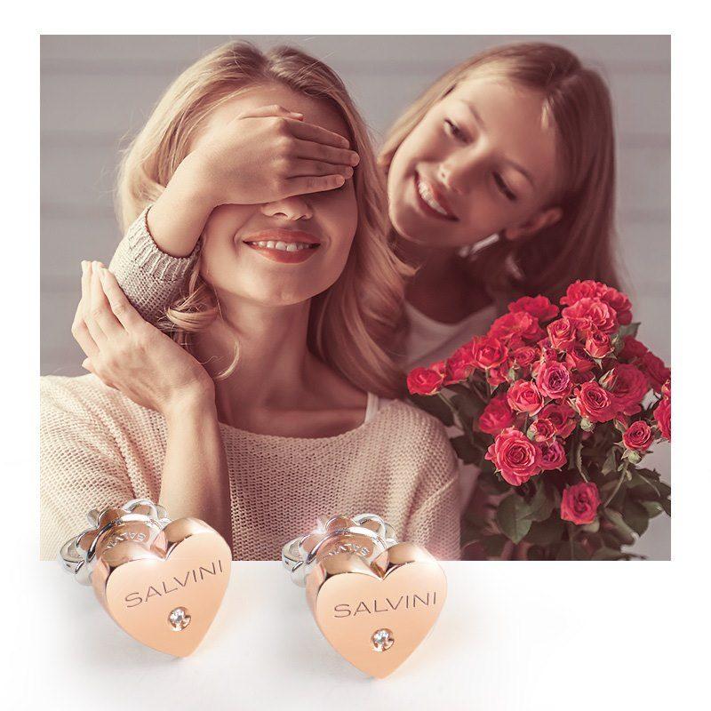 Sorprendi chi più ami con la Collezione #SalviniISegni. Simboli senza tempo che diventano meravigliosi gioielli.